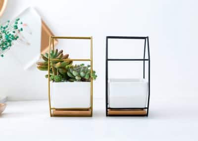 metal and cermanic wall hanging planters3